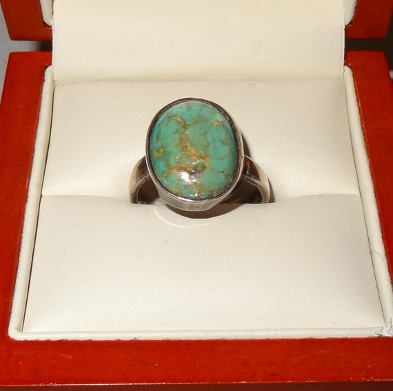 Vintage Sterling Silver and Turquoise Cabachon Ring Size 7