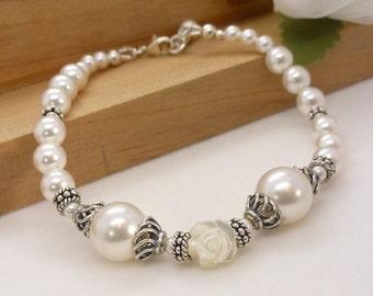 White pearl bracelet with flower, white pearl bridal bracelet, vintage style bracelet, sterling silver wedding jewelry