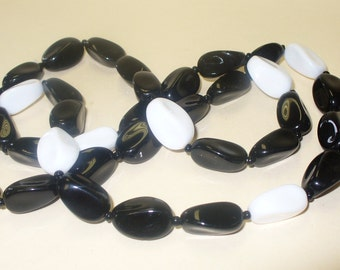 Vintage 80s Black and White Bohemian Glass Mod Necklace DEADSTOCK