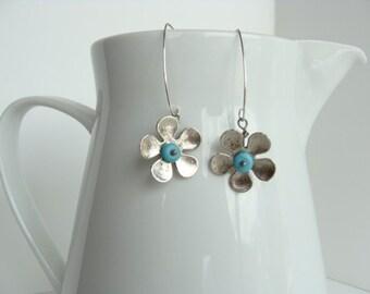 Flower Power Earrings in Turquoise