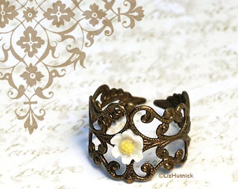 Hippie Chic Daisy Ring - Adjustable Ring, Tiny Daisy Filigree Ring, Bohemian Style Jewelry