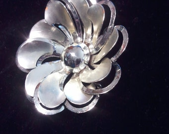 60s silver flower brooch pin pendant jewelry 80s boho bohemian dazzle tiki
