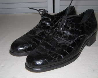 vintage Black Leather Lace Up Oxford by Cole Haan - size 6 1/2 medium