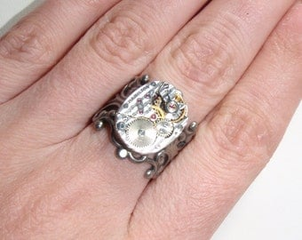 Silver tone Steampunk Victorian 22 jewel clock ring with rubies