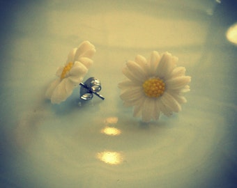 happy daisy post earrings- vintage flower power daisies earrings- 60s 90s retro