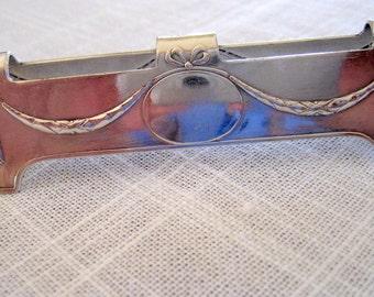 Vintage Art Nouveau  Knife Rest   Silverplate  Circa  1920s
