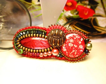 MIXED RED  --  Mother of Pearl Shell Vintage Button Beaded Alligator Hair Clip