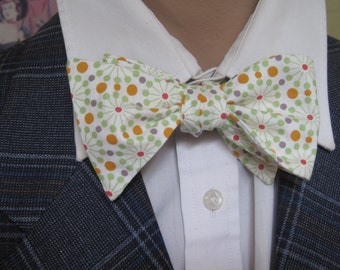 Bow Tie in a Retro Atomic Print