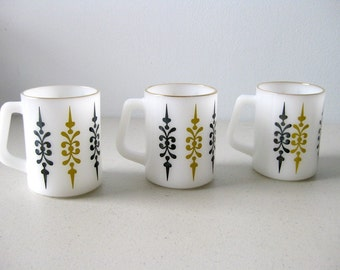 Vintage Federal Glass mugs Milk glass cups