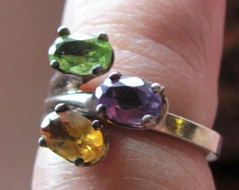 Vintage Sterling Silver Size 6 Beautiful Genuine 3 Gemstone Ring Designer Made