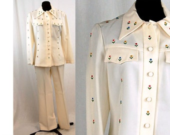 1970s Western shirt and pants, cream white, tiny flowers, enamel flower appliques, Rodeo shirt, Size 12, Domani