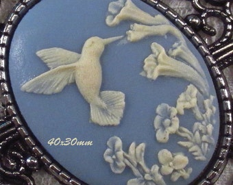40x30mm Cameo - Ivory/Blue - Hummingbird - 1 pc : sku 05.04.13.4 - V3