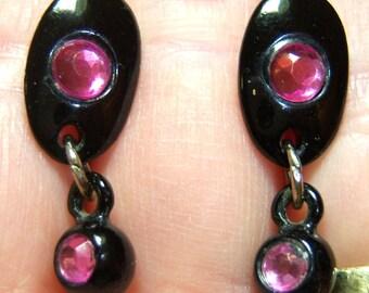 vintage fushia with black pierced dangle and drop earrings O