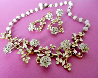 Ancient Set 1950 choker Necklace & Earrings - Rare wedding jewelery totally white-Carnation flowers and crystals-Art.491/2-