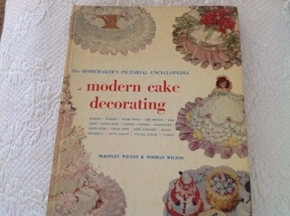 Cake Decorating Books In Sri Lanka : Vintage Cake Decorating Book By Wilton