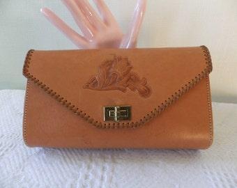Vintage Clutch Purse Justin Saddle Leather Tooled Leather Flower Design Turn Key Ladies Womens