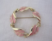 """Coro BROOCH Pin 1.75"""" wide Pink Leaves on Gold Tone Metal"""
