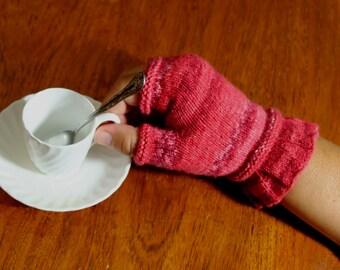 PDF Knitting Pattern Primrose Fingerless Gloves (Instant Download)