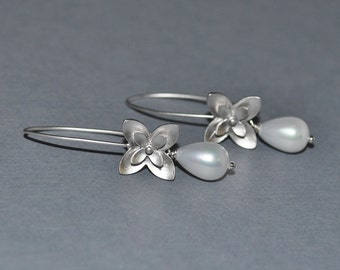 Bridesmaid Bridal Party Blossom Earrings - Available in Pearl, Pink, Purple, Blue, Red, Green, Brown, Yellow, Black, Clear