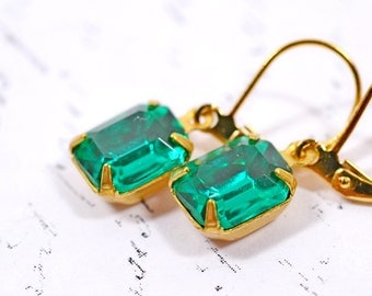 Green Rhinestone Earrings, Vintage Emerald Rhinestone Earrings, Vintage Glass Earrings, Green Drops Gold Old Hollywood Estate Style Jewelry