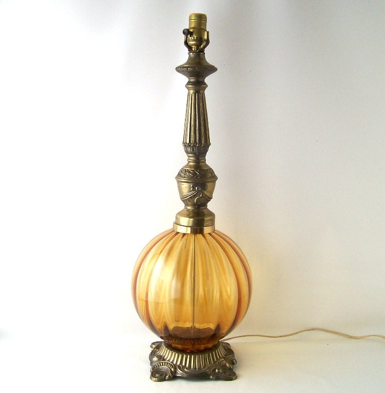 vintage table lamp amber yellow glass globe antique brass. Black Bedroom Furniture Sets. Home Design Ideas