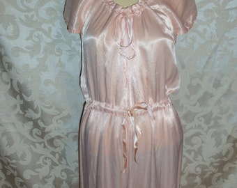Vintage 40s Pale Pink Silk Satin Nightgown