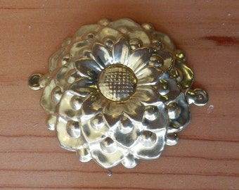 "8-2 1/8"" dia decorative brass medalion"