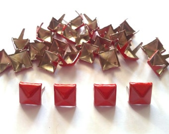 50 pcs Red pyramid stud findings size 8 mm