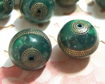 Emerald green and gold 12mm  tapestry bead lot of (8) - BZ104