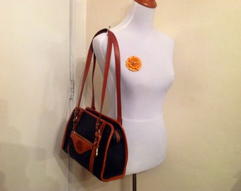 Vintage Dooney Bourke Shoulderbag Blue Leather Tan Trim Chic Preppy Style  Fashion Back-To-School Wear
