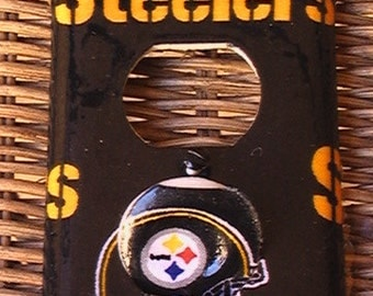 Pittsburgh Steelers Outlet Cover Plate with Child Safety Plugs