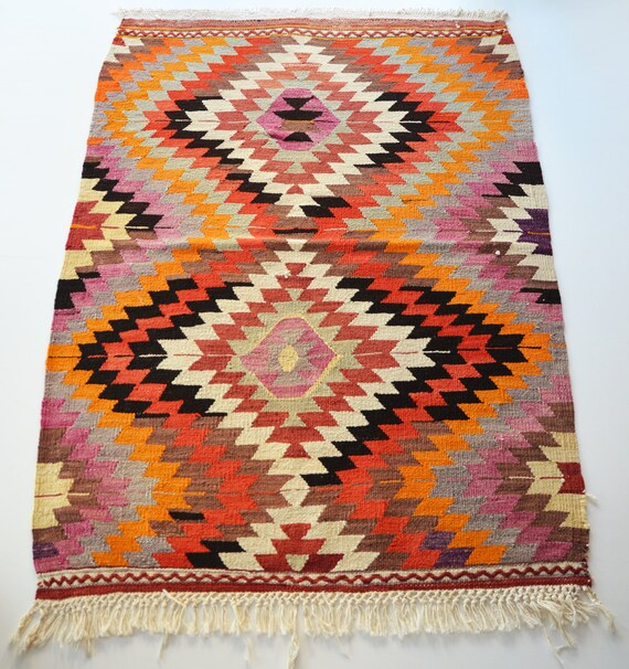 Art Kilim Wool Rug: Items Similar To Sukan / VINTAGE Turkish Kilim Rug Carpet