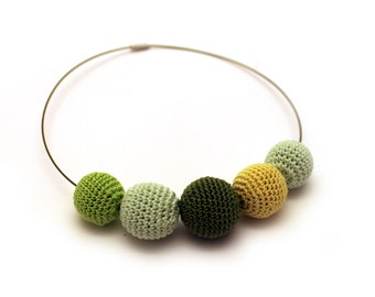 Apple Green Crochet Necklace / Wooden Necklace / Crochet Beaded Necklace Made in Israel by CasaDeGato