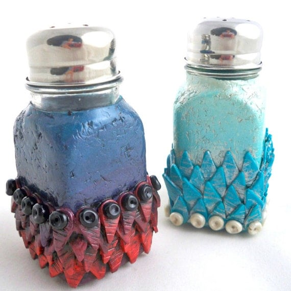Unique salt and pepper shakers blue red aqua handmade by Colorful salt and pepper shakers