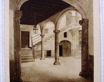 17th Century Courtyard, Majorca, Spain. Unused Vintage Postcard