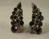 3-D Weiss Black Ice Clip on Earrings