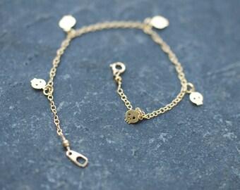GOLD skull bracelet , Gold Skull Anklet, mini Skull Charm Bracelet
