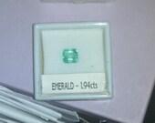 Sale - 50% OFF - 1.94 carat Beautiful Glowing Green Emerald Gemstone - FREE SHIPPING