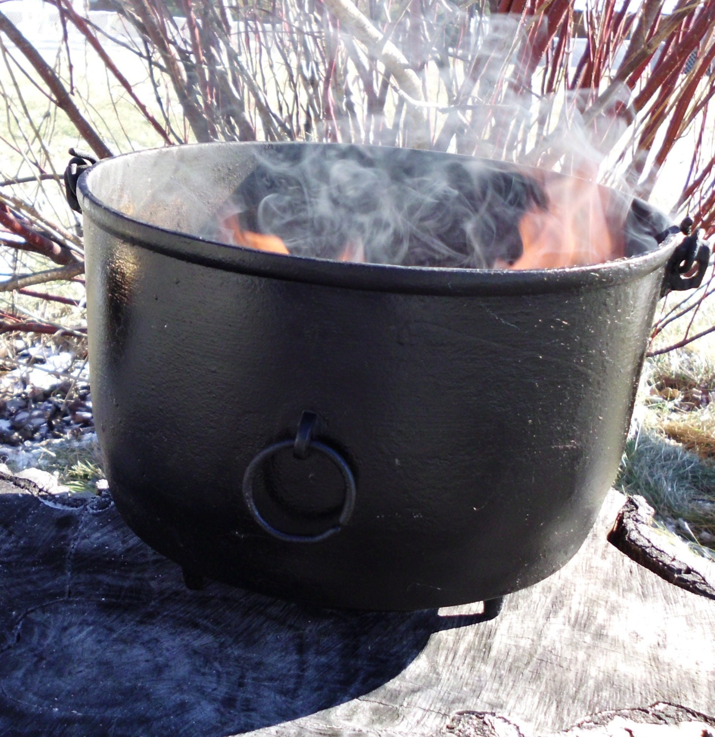 Large Witches Cauldron Vintage Spellwork