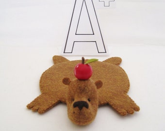 Bear Rug Coaster with Apple (in copper)