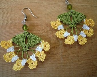 crochet earrings, yellow, white, green, dangle