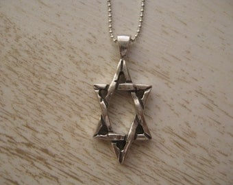 Large Star of David Necklace, Classic Star Necklace, Jewish Star Pendant Necklace Men and Women, Beautiful Jewelry