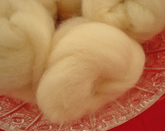 Hand Combed Alpaca Top Roving Natural White 2 oz.