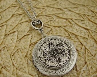 Silver Locket Wife Sister Necklace Wedding Mothers Day Bride Bridesmaid Anniversary Gift Birthday Daughter Sister Photo Pictures - Marla