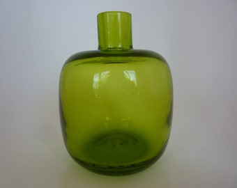 Vintage Blenko Apple Green Glass Vase Hand Blown Glass Made in USA Bud Vase Vintage Modern Collectible Glass