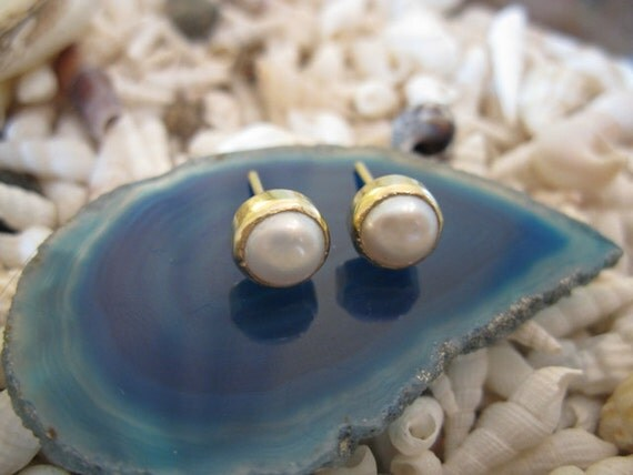 14K  Gold and White Pearl  Post Earrings