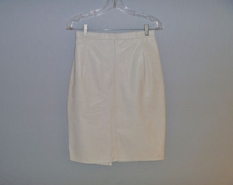 Vintage 1980's High-Waisted White Leather Skirt with Slit in Back Women's Size Medium