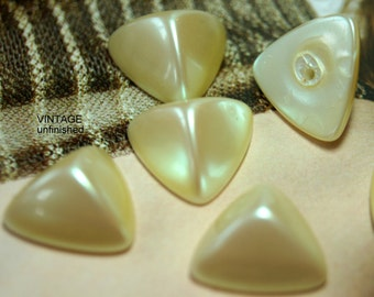 Vintage Japanese Ivory Triangle Cabochons 16mm (10)