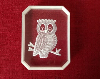 Vintage Lucite Owl Paperweight, etched owl, signed by the artist, Fox '78