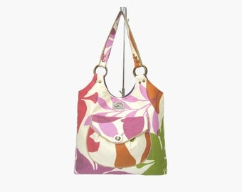 SALE Floral Print Off-White Canvas Everyday / Work Women Shoulder Bag. Brass Hardware. Strawberry Tote.